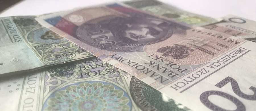 Kwota niespłaconych w terminie zobowiązań finansowych Polaków na koniec I kwartału 2017 r. wyniosła 23,6 mld zł - wynika z danych ERIF Biura Informacji Gospodarczej S.A. Długi ma ponad 1,67 mln polskich konsumentów.