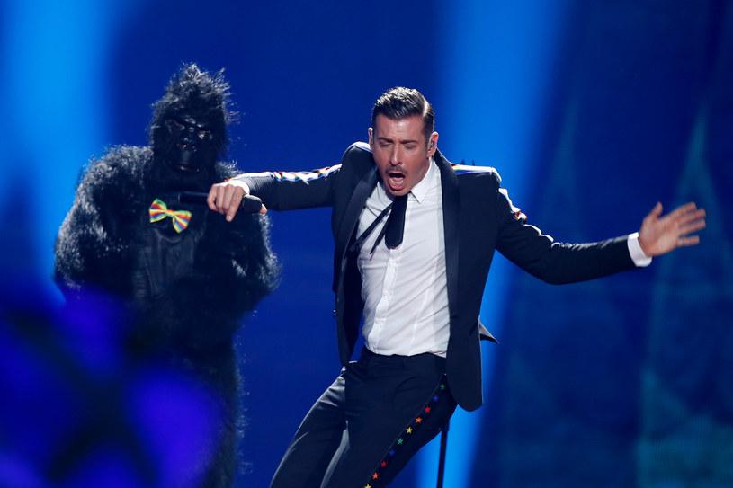 """Media we Włoszech są bardzo rozczarowane szóstym miejscem ich reprezentanta na konkursie Eurowizji w Kijowie. Francesco Gabbani z piosenką """"Occidentali's Karma"""" uważany był, także w Europie, za niemal pewnego faworyta."""