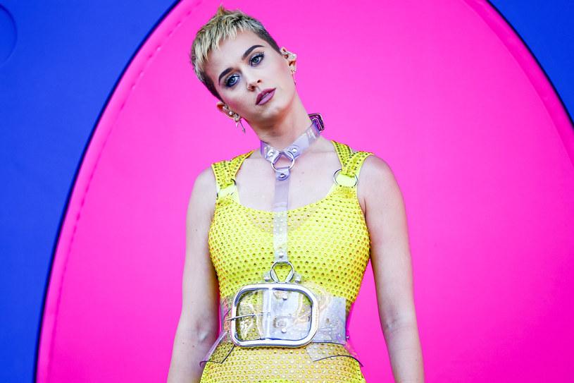 """Już ponad 26 mln wyświetleń w serwisie Youtube zebrał teledysk Katy Perry do singla """"Bon Appetit"""" zapowiadającego jej nową płytę."""