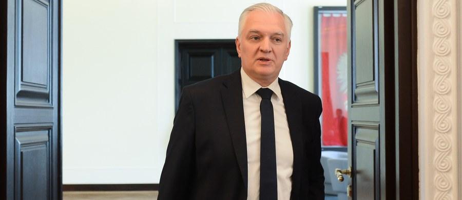 Jestem rozczarowany, że prezydent nie zawetował ustawy o aptekach – powiedział w TVN24 wicepremier i minister nauki Jarosław Gowin. Podkreślił, że uważa ją za szkodliwą.