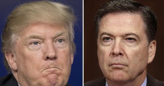"""Donald Trump poprosił w lutym ówczesnego szefa FBI Jamesa Comeya o zamknięcie dochodzenia ws. kontaktów swego byłego doradcy ds. bezpieczeństwa narodowego Michaela Flynna z przedstawicielami rosyjskich władz - poinformował dziennik """"New York Times"""". Właśnie w lutym Flynn pożegnał się ze stanowiskiem w prezydenckiej administracji. Comey natomiast nie jest już dyrektorem FBI - Trump zwolnił go niespodziewanie 9 maja."""
