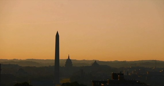 Amerykańska stolica o poranku. Mauzoleum Lincolna, pomnik Waszyngtona oraz Kapitol. Zobacz, jak wygląda Waszyngton widziany ze studia radia RMF FM.