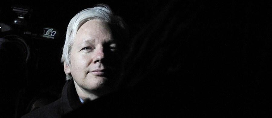 Szwedzka prokuratura poinformowała o umorzeniu trwającego od siedmiu lat dochodzenia wobec założyciela demaskatorskiego portalu WikiLeaks Juliana Assange'a. Zarzucano mu gwałt i molestowanie seksualne.