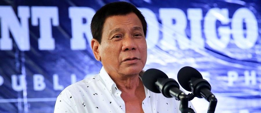 Podczas przemówienia w Manili prezydent Filipin Rodrigo Duterte powiedział, że jeśli potwierdzą się doniesienia, iż jego najstarszy syn jest zamieszany w przemyt i handel narkotykami, to wówczas rozkaże policji zabicie go.