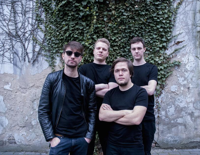 """Poniżej możecie zobaczyć teledysk """"Sinner"""" poznańskiej rockowo-alternatywnej grupy Fink Tree."""