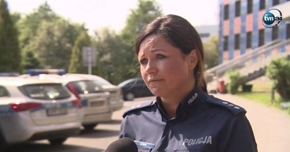 W centrum Katowic doszło do brutalnego ataku. Napastnik rzucił się na dwie kobiety z rozbitą butelką, kiedy te wracały z kolegami z klubu. W pewnym momencie podeszło do nich kilku mężczyzn i zaczęło nagabywać jedną z kobiet. Wstawili się za nią koledzy i doszło do szarpaniny.