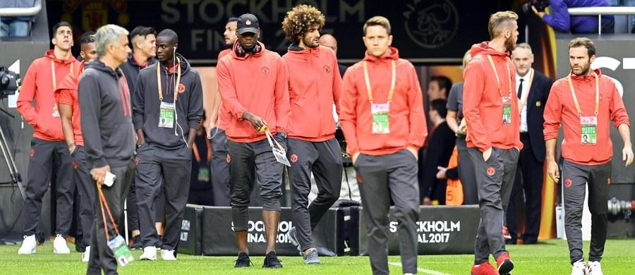 Zamach terrorystyczny w Manchesterze, w którym życie straciły 22 osoby, a 119 odniosło obrażenia, przyćmił emocje, jakie miały towarzyszyć finałowi piłkarskiej Ligi Europejskiej. O trofeum powalczą klub z zaatakowanego miasta - Manchester United - i Ajax Amsterdam. Rozpoczęcie meczu w Sztokholmie - o godzinie 20:45 - zostanie poprzedzone minutą ciszy.