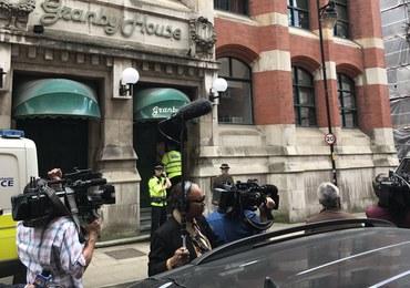Akcja policjantów w Manchesterze. Uzbrojeni funkcjonariusze wkroczyli do mieszkania
