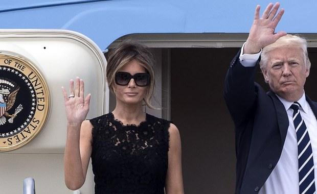 Podczas gdy przywódcy państw NATO zbiorą się dziś na szczycie w nowej siedzibie sojuszu na przedmieściach Brukseli, ich żony czas wypełnią programem przygotowanym przez władze Belgii. Przewidziano m.in. kolację z królową i wizytę w sklepie z torebkami.