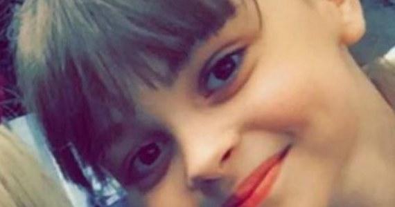 """""""Miała ogromną ranę powyżej uda i uraz głowy"""" - tak 42-letni Paul Reid mówi w rozmowie z """"The Sun"""" o 8-letniej Saffie Rose Roussos. Dziewczynka to najmłodsza ofiara poniedziałkowego zamachu w Manchesterze. """"Pytała, gdzie jest jej mamusia, co się stało"""" - mówi mężczyzna. """"Chciała być blisko mamy. Umierała"""" - wspomina 42-latek ze łzami w oczach."""