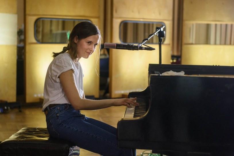 Laureatką konkursu Firestone Headliners of Tomorrow została Hania Rani, pianistka, kompozytorka, wokalistka mieszkająca w Warszawie i Berlinie. Artystka reprezentuje gatunek modern classic, łącząc klasyczne instrumenty z nowymi brzmieniami.