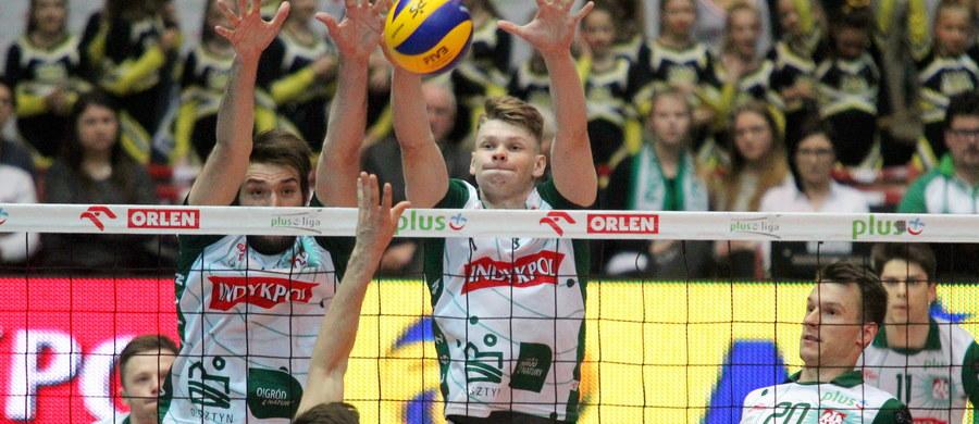Do składu reprezentacji Polski w siatkówce, przygotowującej się do pierwszego turnieju Ligi Światowej, dołączył 19-letni środkowy Jakub Kochanowski.