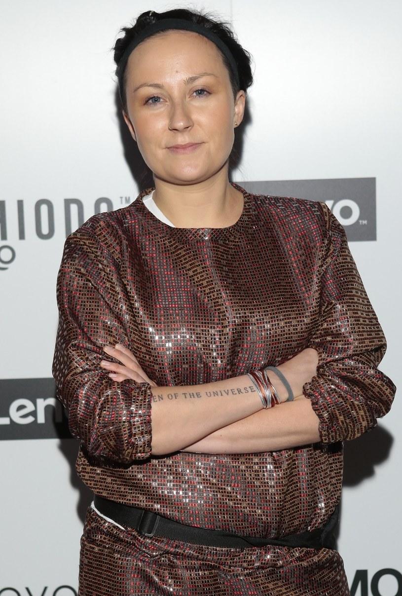 """W sieci pojawił się nowy singel Pauliny Przybysz """"Dzielne kobiety"""". Utwór zapowiada autorski solowy album wokalistki, wydany po raz pierwszy pod jej własnym nazwiskiem."""