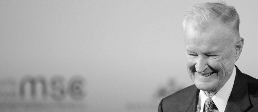 Nie żyje prof. Zbigniew Brzeziński, jeden z najbardziej wpływowych politologów i strategów polityki zagranicznej USA. W latach 1977-1981 był szefem Rady Bezpieczeństwa Narodowego USA w ekipie prezydenta Jimmy'ego Cartera. Zwolennik twardego kursu wobec Związku Radzieckiego. Odegrał kluczową rolę w staraniach Waszyngtonu na rzecz upadku komunizmu w Europie Wschodniej. Mocno wspierał polskie starania o przyjęcie do NATO. Zwolennik budowy w Polsce elementów amerykańskiej tarczy antyrakietowej. Zmarł w wieku 89 lat.
