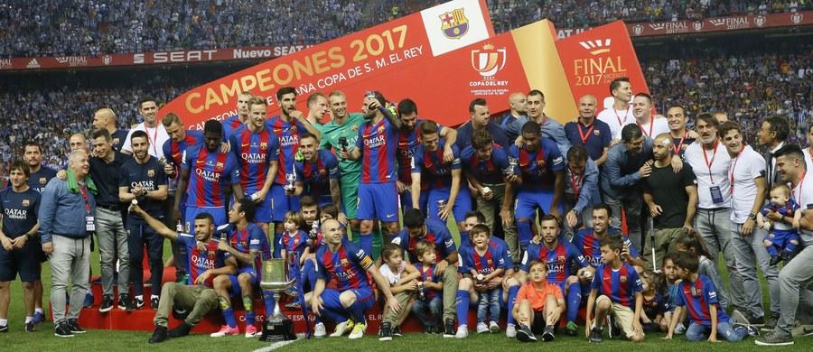"""Piłkarze Barcelony wywalczyli po raz trzeci z rzędu, a 29. w historii, Puchar Hiszpanii! W sobotnim finale na Vicente Calderon w Madrycie pokonali Alaves 3:1. """"Duma Katalonii"""" jest najbardziej utytułowanym klubem w historii tych rozgrywek."""
