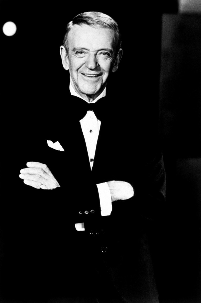 Naprawdę nazywał się Austerlitz, ale matka uznała, że jako Fred Astaire szybciej podbije sceny i ekran. Jego nogi ubezpieczono na sumę miliona dolarów! Do dziś jest najsłynniejszym tańczącym aktorem na świecie. I pomyśleć, że on sam nie wierzył w siebie, a niektóre ujęcia powtarzał po 100 razy.