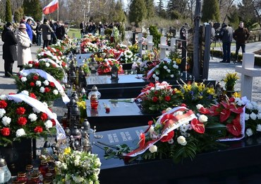 Kolejna ekshumacja ofiary katastrofy smoleńskiej na warszawskich Powązkach