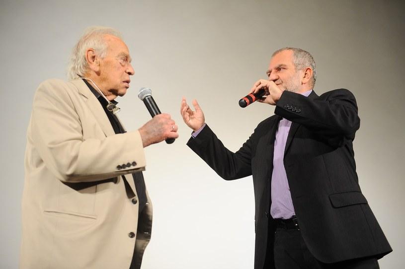 Tablicę poświęconą twórcy filmów animowanych Yoramowi Grossowi odsłonięto we wtorek na ścianie kamienicy, w której się urodził przy ul. Sarego 12 w Krakowie. Uroczystość odbyła się w ramach 57. edycji Krakowskiego Festiwalu Filmowego.
