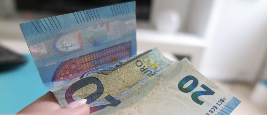 W środowym dokumencie dotyczącym przyszłości eurolandu Komisja Europejska zaproponowała, by rozważyć stworzenie osobnego budżetu dla strefy euro. Wywołujący kontrowersje pomysł jest jeszcze daleki od realizacji, ale jego urzeczywistnienie może być groźne dla interesów Polski.