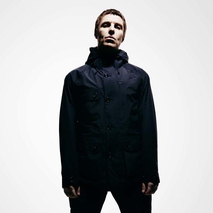 """Liam Gallagher zapowiada pierwszy solowy album zatytułowany """"As You Were"""". Płytę promuje singel """"Wall of Glass""""."""