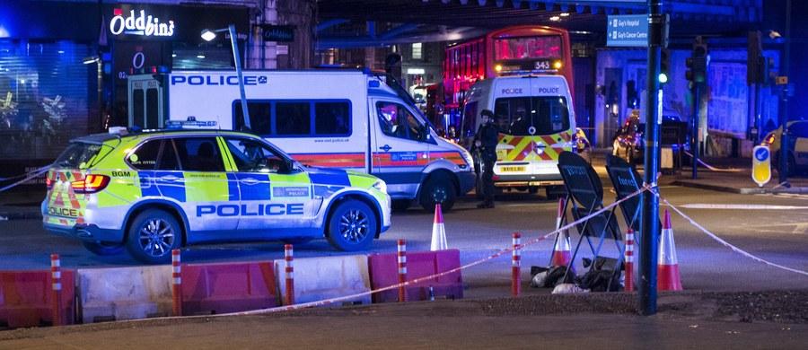 """Polskie Ministerstwo Spraw Zagranicznych wydało komunikat dot. tragicznych wydarzeń w Londynie. """"Konsul RP w Londynie pozostaje w kontakcie z miejscowymi służbami i sprawdza, czy w zdarzeniu ucierpieli polscy obywatele"""" - podkreślono."""