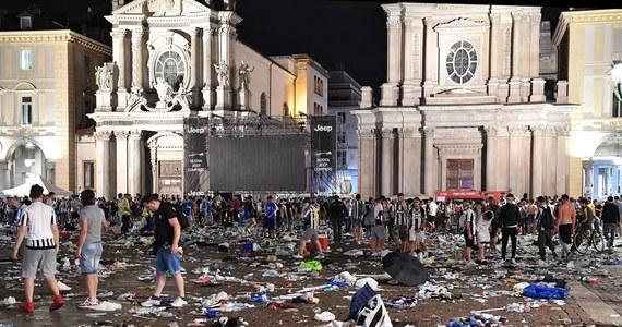 """Do szpitali w Turynie nadal zgłaszają się ludzie, którzy odnieśli obrażenia podczas wybuchu paniki w Turynie. Wczoraj tysiące kibiców oglądało finał Ligi Mistrzów. """"Tłum zaczął żyć swoim życiem, zaczęliśmy biec i później uliczkami powoli kierować się w stronę szpitala. Najbardziej poszkodowanych operowano. Na miejscu było bardzo dużo ludzi, ja czekałem ponad 10 godzin na swoja kolejkę. Było mnóstwo krwi"""" - mówi w rozmowie z RMF FM Kamil, który był na placu San Carlo."""