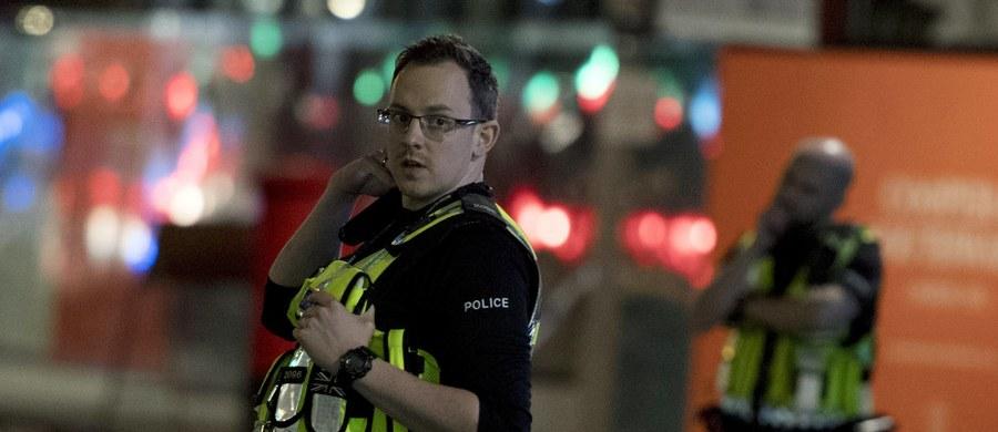 """""""Ten rodzaj terroryzmu nie ma charakteru wyrachowania polegającego na tym, że będziemy wpływali na wyniki wyborów itd. Opiera się na dość prymitywnym mechanizmie - kto nie jest z nami, jest przeciwko nam. Chodzi o to, żeby jak najwięcej ludzi nazabijać, jak najbardziej zastraszyć"""" - mówi o atakach w Londynie dr Krzysztof Liedel, ekspert do spraw terroryzmu z Collegium Civitas. """"Dla fundamentalistów islamskich nasza kultura, cywilizacja, to jak funkcjonujemy, żyjemy, jest nie do zaakceptowania"""" - podkreśla."""