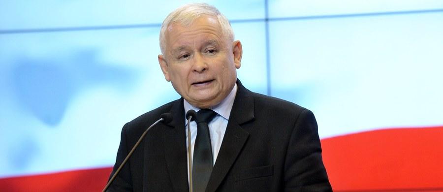 """""""Przeciwko Europie prowadzona jest wojna"""" - powiedział w Starachowicach (Świętokrzyskie) Jarosław Kaczyński, komentując sobotni zamach terrorystyczny w Londynie. Prezes PiS dodał, że Polska powinna rozbudowywać swoje siły zbrojne."""