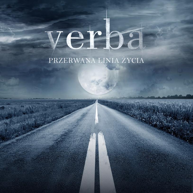 """""""Przerwana linia życia"""" nie zmienia zupełnie nic w kwestii jakości twórczości Verby, która po raz kolejny z otwartymi rękoma sięga po miano najgorszej grupy w historii polskiej muzyki."""