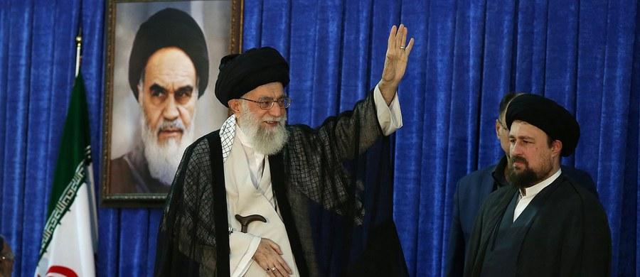 """Nałożenie nowych sankcji gospodarczych na Iran """"zapędziłoby ten kraj do narożnika"""" i byłoby niebezpieczne - ocenił w San Francisco były sekretarz stanu USA John Kerry."""