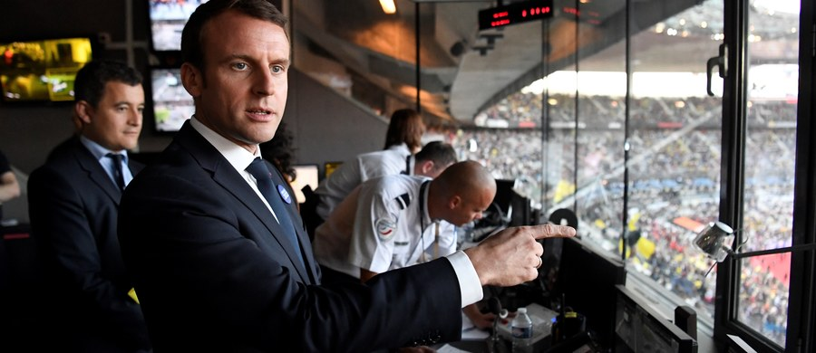 Partia Republique en Marche (LREM), założona przez nowego prezydenta Francji Emmanuela Macrona, z dużą przewagą wygra z pozostałymi ugrupowaniami w pierwszej turze wyborów parlamentarnych w niedzielę - wynika z najnowszego sondażu.