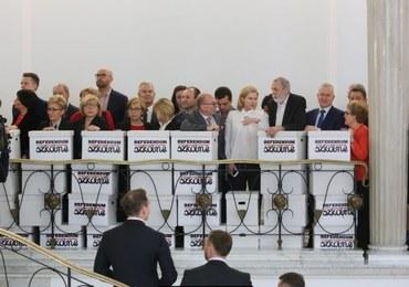 Głos miliona Polaków bez znaczenia. Sejm nie zajął się wnioskiem o referendum ws. reformy oświaty