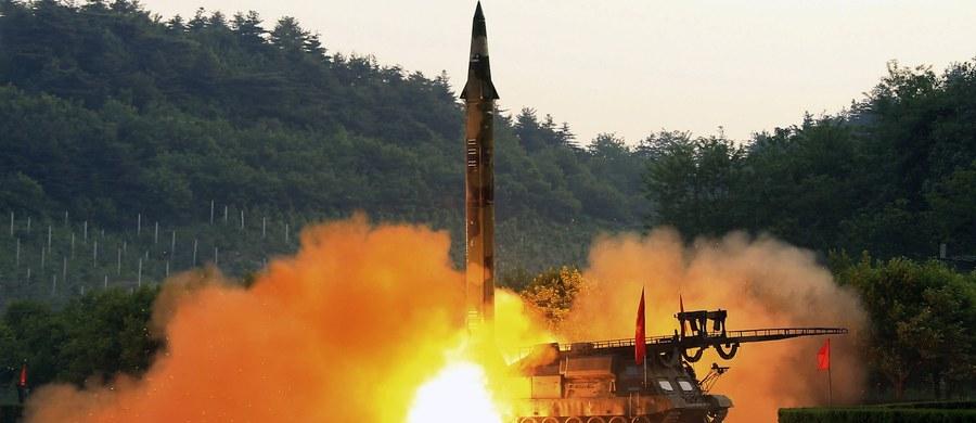 Korea Płn. przeprowadziła w czwartek rano próbę z manewrującymi pociskami przeciwokrętowymi - poinformował południowokoreański sztab generalny. Do wystrzelenia rakiet krótkiego zasięgu typu ziemia-woda miało dojść z okolic portu Wonsan na wschodnim wybrzeżu.