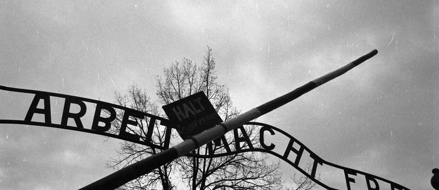 75 lat temu, 10 czerwca 1942 roku, ok. 50 więźniów z karnej kompanii, którym groziło rozstrzelanie, podjęło próbę ucieczki z niemieckiego obozu Auschwitz. Na wolność przedostało się dziewięciu. Przy ucieczce oraz w wyniku odwetu Niemcy zabili ok. 380 więźniów.