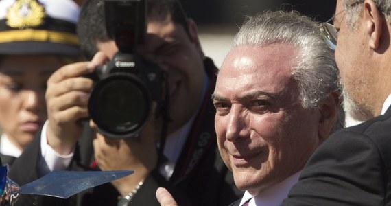 Brazylijski Najwyższy Trybunał Wyborczy odrzucił w piątek wniosek o usunięcie Michela Temera ze stanowiska prezydenta. Trybunał rozpatrywał ten wniosek w związku z ciążącymi na Temerze zarzutami korupcyjnymi. W sprawie orzekało siedmiu sędziów. Na korzyść Temera zagłosowało czterech z nich.