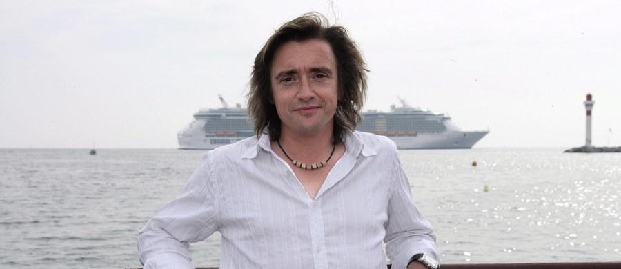 """Były prezenter słynnego programu motoryzacyjnego """"Top Gear"""" Richard Hammond miał poważnie wyglądający wypadek samochodowy w Szwajcarii. 47-latek został zabrany do szpitala."""