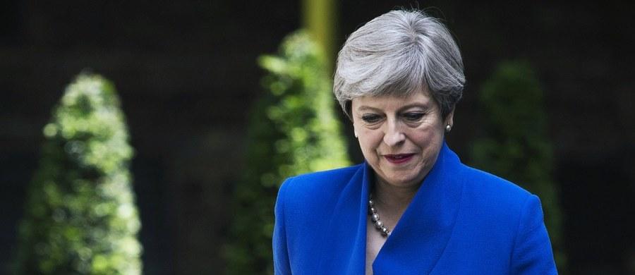 Rząd Wielkiej Brytanii zawarł wstępne porozumienie z północnoirlandzką Demokratyczną Partią Unionistów (DUP), która zgodziła się wesprzeć mniejszościowy gabinet premier Theresy May - podały służby prasowe rządu.