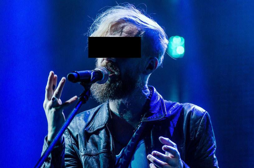 Polski muzyk Tomasz O. został zatrzymany przez policję, gdy prowadząc auto pod wpływem alkoholu spowodował kolizję w Ostródzie.