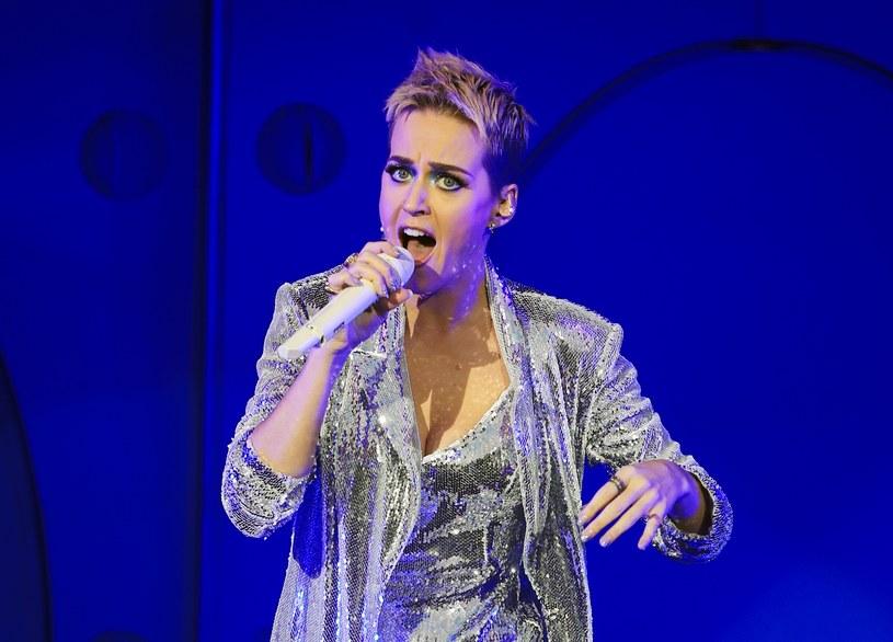 """Amerykańska wokalistka z okazji premiery swojej płyty """"Witness"""", która trafiła do sprzedaży 9 czerwca, postanowiła zorganizować nietypową akcję promocyjną. Perry w czwartek w nocy (8 czerwca) wystartowała ze specyficznym reality show z jej udziałem."""
