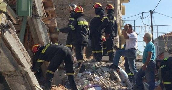 Trzęsienie ziemi o magnitudzie 6,3 na greckiej wyspie Lesbos. Zginęła jedna osoba, 12 jest rannych. Uszkodzona została wieża jednego z kościołów, popękało wiele budynków.