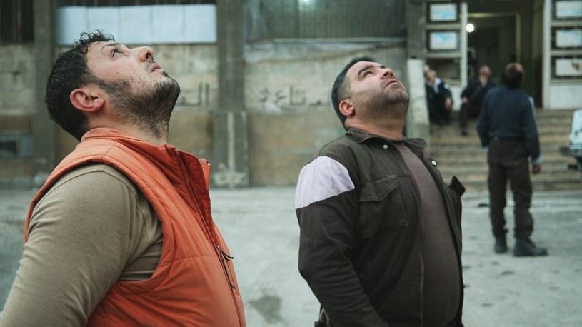 """Film """"Ostatni w Aleppo"""" Ferasa Fayyada wchodzi do kin 30 czerwca. Złotówka z każdego sprzedanego biletu będzie przeznaczona na działania Polskiej Akcji Humanitarnej w Syrii."""