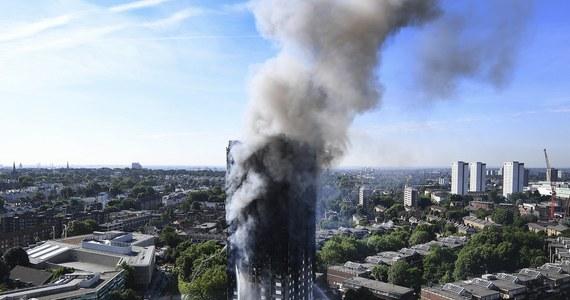 """Grupa mieszkańców Grenfell Tower w zachodnim Londynie, budynku, który spalił się w nocy, napisała na swoim blogu, że ich ostrzeżenia były ignorowane. """"Przewidywaliśmy, że ta katastrofa jest nie do uniknięcia"""" - oświadczyli."""