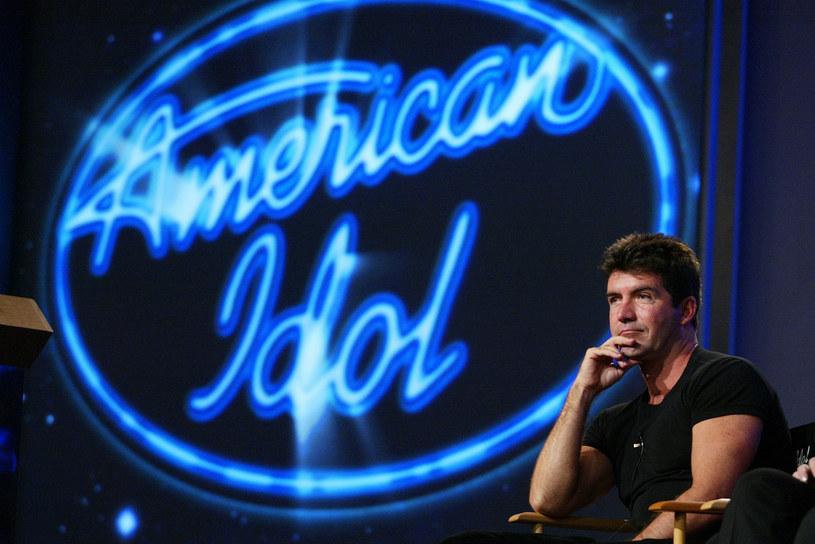 """11 czerwca 2002 roku w telewizji Fox widzowie zobaczyli pierwszy odcinek spektakularnego talent show pt. """"American Idol"""". Od tamtego czasu program zdążył zdobyć miliony widzów i wypromować kilkunastu artystów, aby po 15. edycjach i 555 odcinkach zniknąć z anteny. Jak się jednak okazało, nie było to ostatnie tchnienie kultowego show, który ma wrócić z nową mocą."""