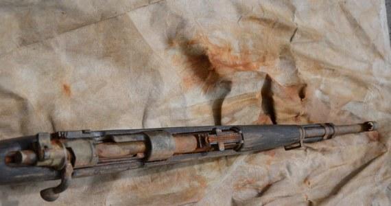W Ostrowie koło Tarnowa w Małopolsce wędkarz wyłowił z Dunajca karabin z czasów I wojny światowej. Jeśli nie ma związku z żadnym przestępstwem, zostanie przekazany do muzeum – poinformował Paweł Klimek z tarnowskiej policji.