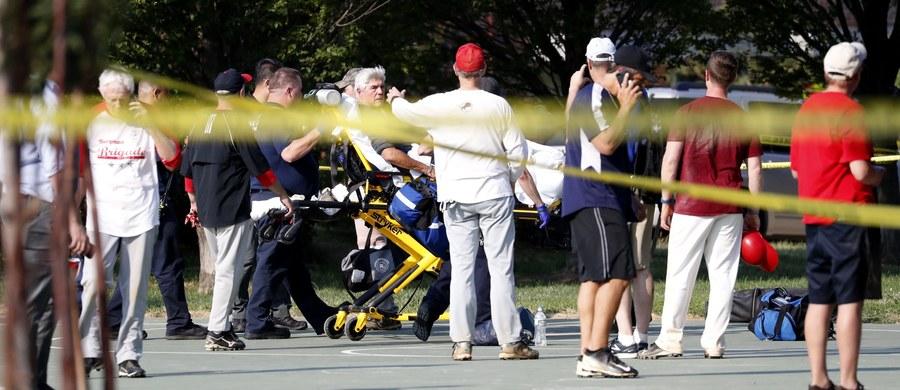 Strzelanina podczas treningu baseballa drużyny amerykańskich senatorów. Ranny został republikański kongresmen Steve Scalise. Do zdarzenia doszło na boisku w Alexandrii w Wirginii. Wiadomo, że napastnik miał 66 lat. Zginął od ran postrzałowych.
