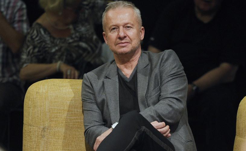 Nigdy nie był aniołem. Zawsze miał słabość do kobiet i przygód. Twierdzi, że nie lubi swojego zawodu, a mimo to jest jednym z najpopularniejszych polskich aktorów. Już niebawem, dokładnie 27 czerwca, Bogusław Linda kończy 65 lat.