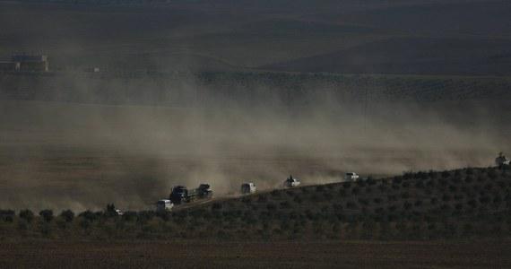 Państwo Islamskie (IS) przypuściło w Ar-Rakce kontrofensywę przeciwko Syryjskim Siłom Demokratycznym (SDF) - sojuszowi zbrojnemu, któremu przewodzą Kurdowie.