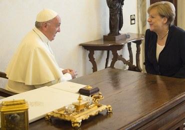 Merkel na audiencji u papieża Franciszka. Rozmawiali m.in. o kryzysie migracyjnym