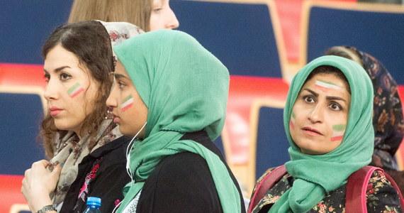 Siatkarze reprezentacji Rosji pokonali Iran 3:0 (26:24, 25:18, 25:18) w pierwszym niedzielnym meczu turnieju interkontynentalnego Ligi Światowej w Łodzi. W drugim spotkaniu w tej samej hali Polska zagra z USA - o godzinie 20.25.