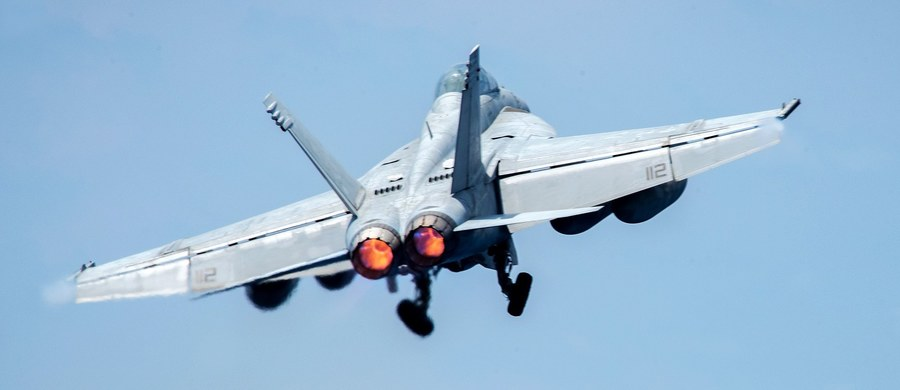 """Rosja postrzega zestrzelenie syryjskiego myśliwca przez amerykański samolot bojowy jako """"akt agresji i pomoc dla terrorystów"""" - oświadczył rosyjski wiceminister spraw zagranicznych Siergiej Riabkow, cytowany przez agencję TASS."""